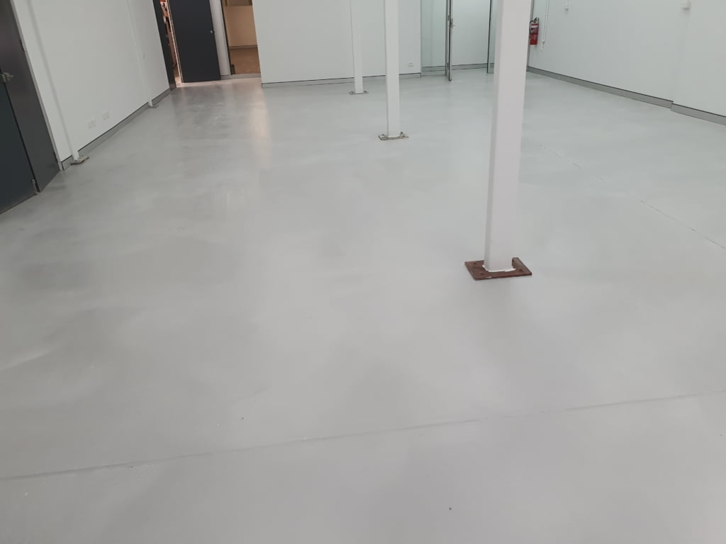 Epoxy coating in workshop 3