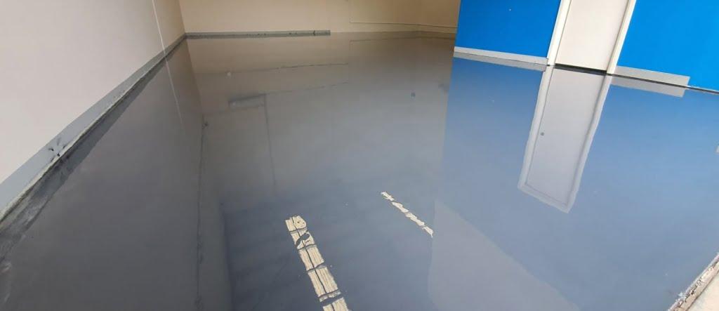 Epoxy flooring is slippery.